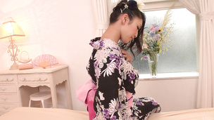Reiko Kobayakawa doubles her fun with an asian creampie