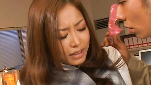 Darling Sarasa Hara gets down on knees and gives marvelous blowjob