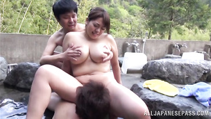Hot nipponese sweetie is performing great fellatio before getting fucked
